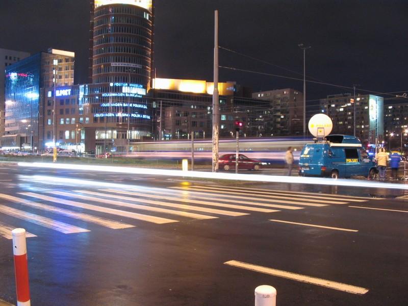 Widok Na Rondo Onz I Biurowiec M In Mercedes Volkswagen